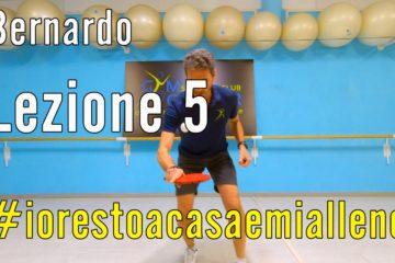 Allenamento a Casa – Tennis Tavolo con Bernardo 5  racchetta e pallina, per mantenere la sensibilità